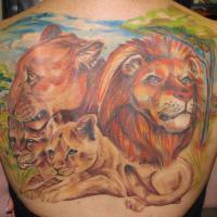 2f77972712bf3b5a87a37683d6b45f8694360b7e_loewenfamilie_ruecken_tattoo.jpg